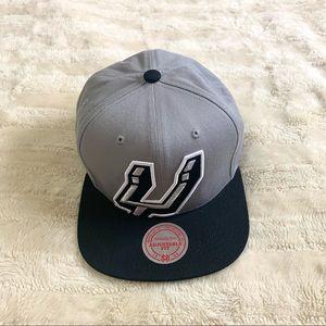 Mitchell & Ness San Antonio Spurs Snapback Hat